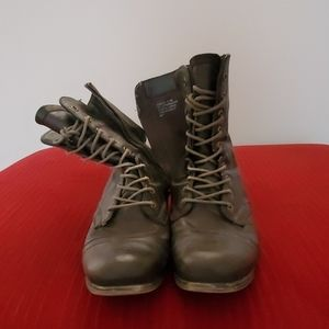 Used Authentic Steve Madden Combat Boots